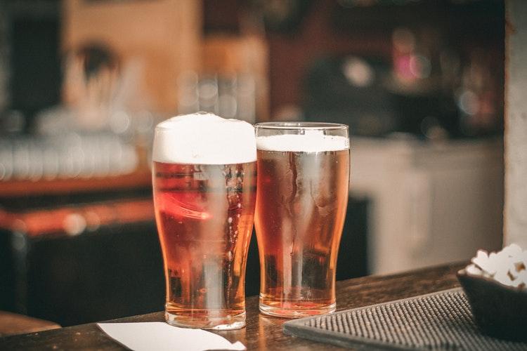 Piwo a odchudzanie – czy od piwa się tyje?