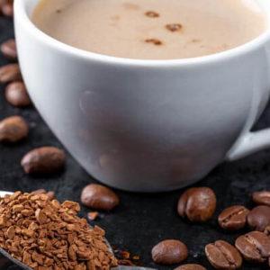 Czy picie kawy stymuluje porost włosów